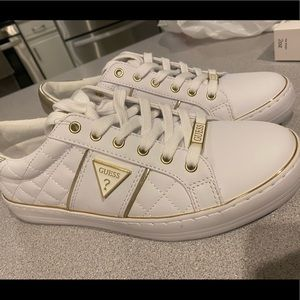 Guess shoes 9.5 new with tags